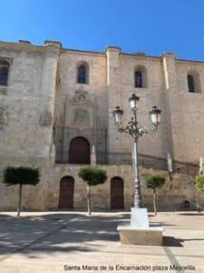 Plaza Mayorilla on kaupungin pääkirkko. Santa Maria de la Encarnacion